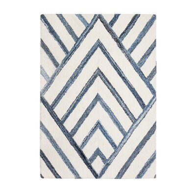 Carty Hand-Tufted Blue/Ivory Area Rug Rug Size: 5 x 8