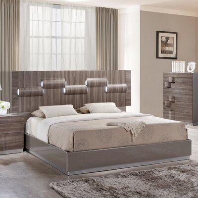 Rutherford Platform Bed Size: Queen