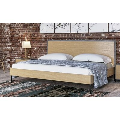 Lipscomb Platform Bed Size: Queen, Finish: Light Walnut / Black
