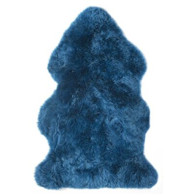 Fabian Single Pelt Handmade Shag Sheepskin Blue Area Rug
