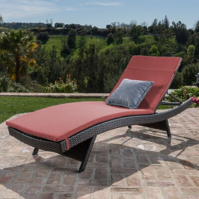 Ferrara Lounge with Cushion Color: Red