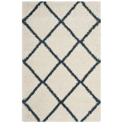 Hampstead Beige/Blue Area Rug Rug Size: Rectangle 4 x 6