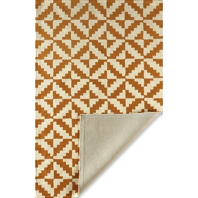 Hisey Hand-Tufted Sorrel Area Rug Rug Size: Rectangle 6 x 9