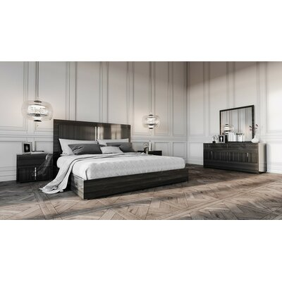 Daigre Queen Platform 4 Piece Bedroom Set