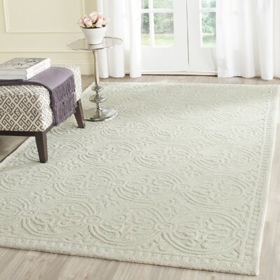 Diona Light Green/Ivory Area Rug Rug Size: Rectangle 4 x 6