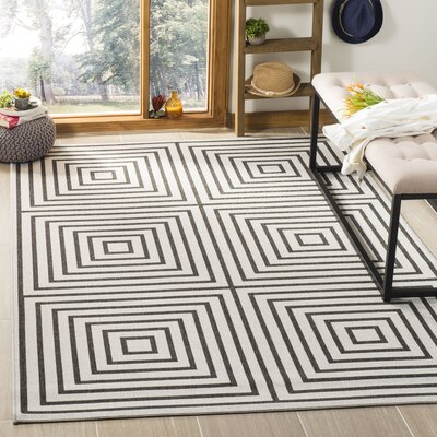 Kallias Contemporary Light Gray Lattice Area Rug Rug Size: Rectangle 51 x 76