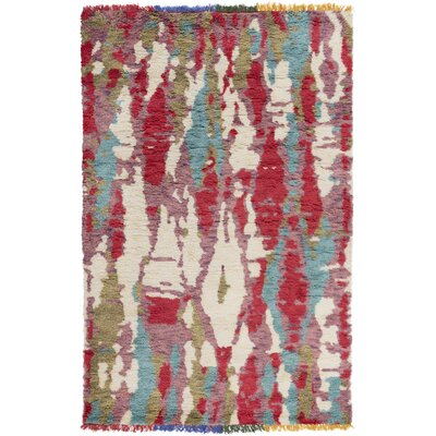 Davina Red Area Rug Rug Size: 4 x 6