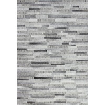 Leslie Flat woven Grey Area Rug Rug Size: 5 x 8