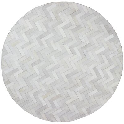 Davi Hand-Crafted Cream Area Rug Rug Size: Round 8