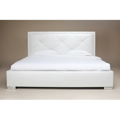 Aspen Hill Upholstered Platform Bed Size: King, Upholstery: White