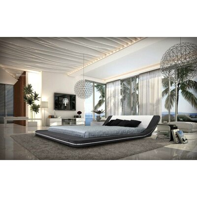 Colburn Upholstered Platform Bed Size: Queen