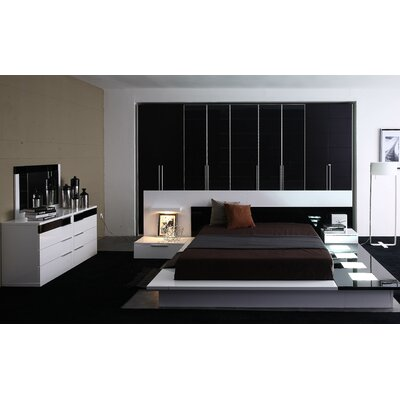 Jamari Platform Bedroom Set Size: King