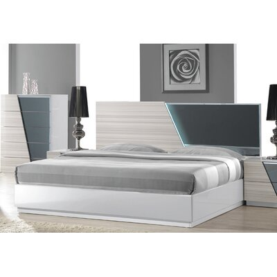 Nikhat Platform Bed Size: King