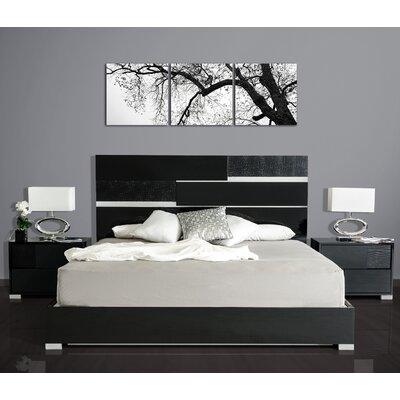 Colona Platform Bedroom Set Size: King, Finish: Black
