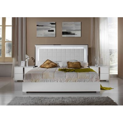 Panel 5 Piece Bedroom Set Size: California King