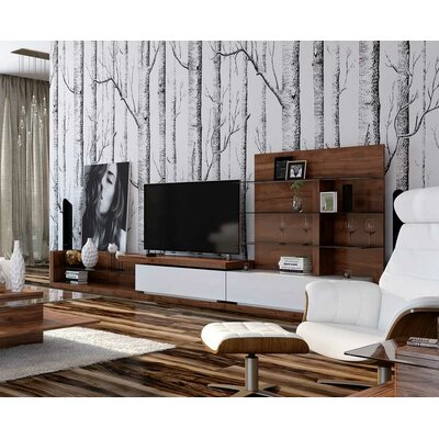 Annalise Jefferson 142 TV Stand Color: Walnut