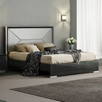 Aspinwall Storage Platform Bed Size: King
