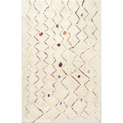 Laredo Inverted Zigzag Hand-Tufted Cream Area Rug Rug Size: 5 x 8
