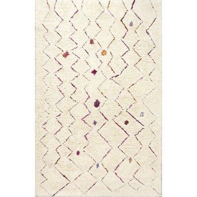 Laredo Inverted Zigzag Hand-Tufted Cream Area Rug Rug Size: Runner 26 x 8
