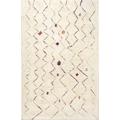 Laredo Inverted Zigzag Hand-Tufted Cream Area Rug Rug Size: 4 x 6