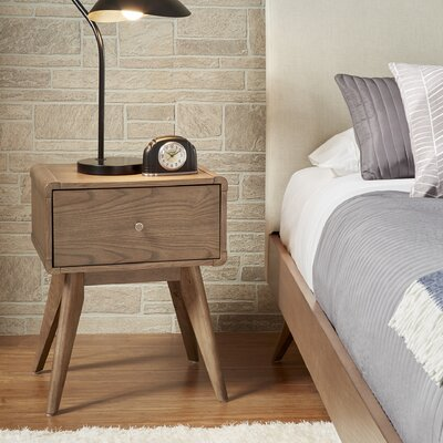 Grant 1 Drawer Nightstand Finish: Walnut