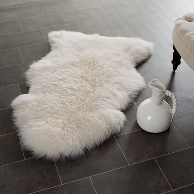 Allison Hand-Woven Faux Sheepskin White Area Rug Rug Size: Novelty 4 x 6