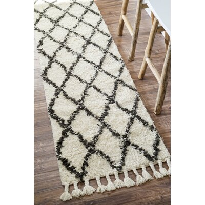 Twinar Hand Knotted  Black Area Rug Rug Size: Runner 2'8