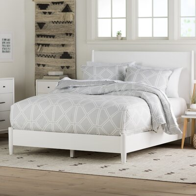 Parocela Panel Bed Size: Full, Finish: White