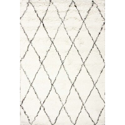 West Hand-woven Moroccan Shag Ivory Area Rug Rug Size: 5' x 7'