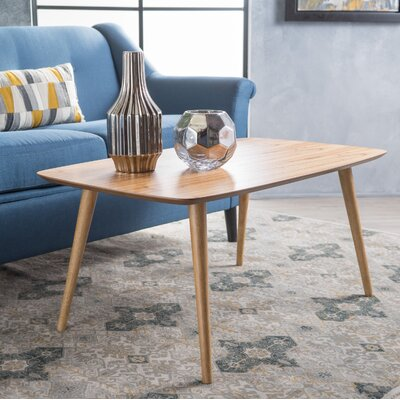 Elizabeth Coffee Table Finish: Natural
