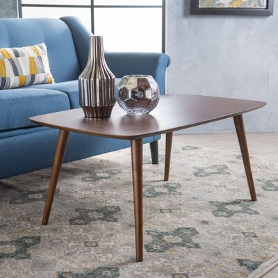 Elizabeth Coffee Table Color: Walnut