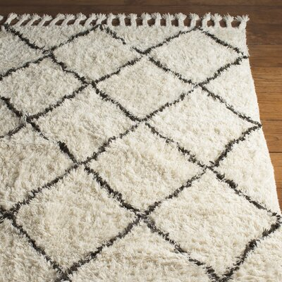Twinar Hand-Knotted White Area Rug Rug Size: 5 x 8