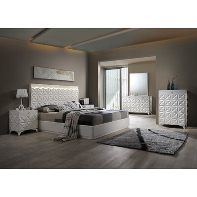 India Platform 5 Piece Bedroom Set Size: California King