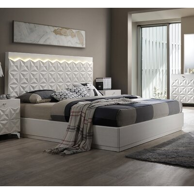 India Platform Bed Size: Queen