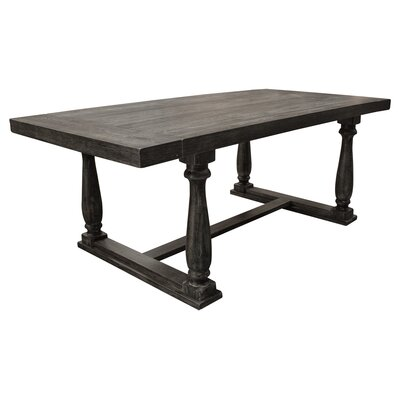 Gertrudes Dining Table