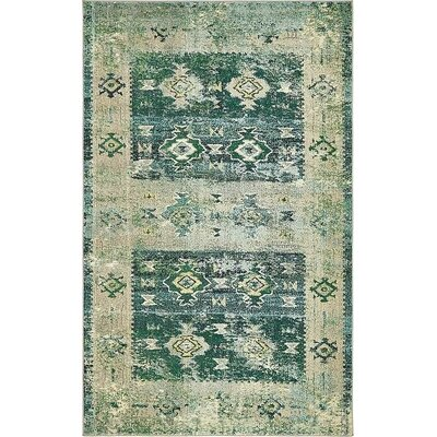 Boxborough  Green Area Rug Rug Size: 5 x 8