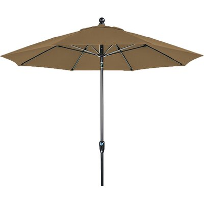 9 Market Umbrella Fabric: Forest Green, Frame Finish: Brown