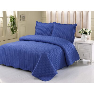 Simple Elegance Embossed Quilt Set Size: King, Color: Navy Blue