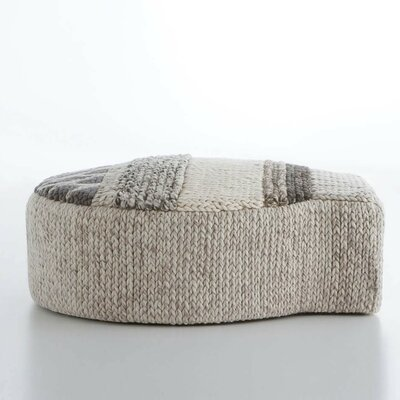 Mangas Space Ottoman Upholstery: Naturales Globo
