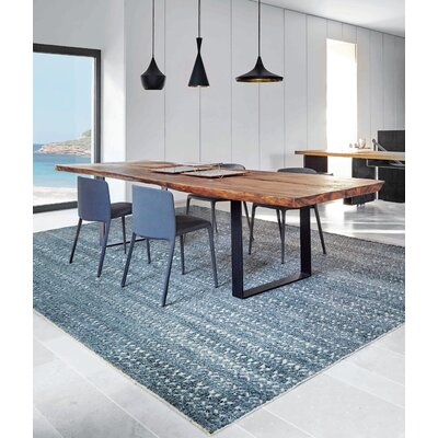 Hand-Knotted Gray Area Rug Rug Size: 67 x 910