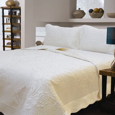 Corbeil Floral Quilt Size: Queen, Color: Ivory