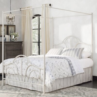 Aksel Canopy Bed Size: Queen, Color: Cream