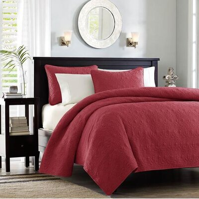 Emy Coverlet Set Size: Full / Queen, Color: Red