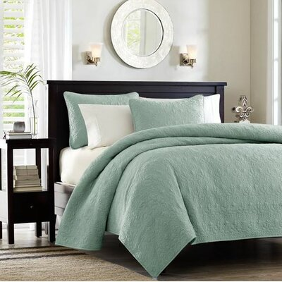 Emy Coverlet Set Size: King, Color: Seafoam