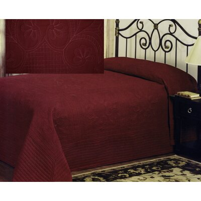 Gilles Traditional Bedspread Size: King, Color: Deep Red