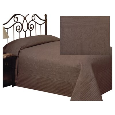 Gilles Traditional Bedspread Size: King, Color: Taupe