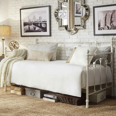 Armillac Daybed Color: Antique White