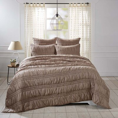 Claude Quilt Set Size: King, Color: Warm Taupe