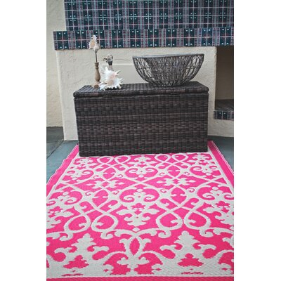 Fontayne Cream & Pink Indoor/Outdoor Area Rug Rug Size: 5 x 8