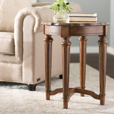 Pendelton End Table Color: Brown